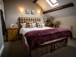 Waddington Arms Room 5